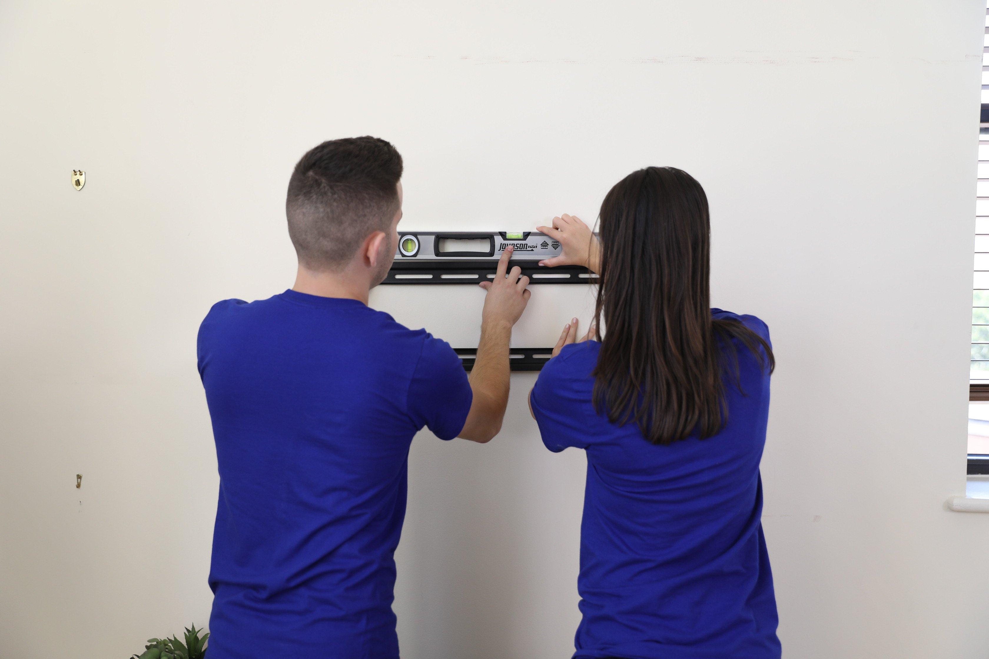 Puls TV wall mount