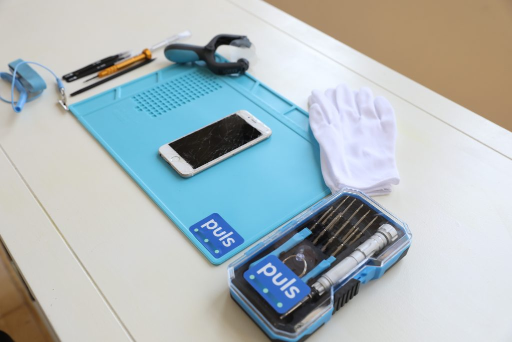 Puls phone repair station