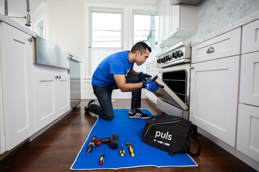 oven repair near me - Puls technician