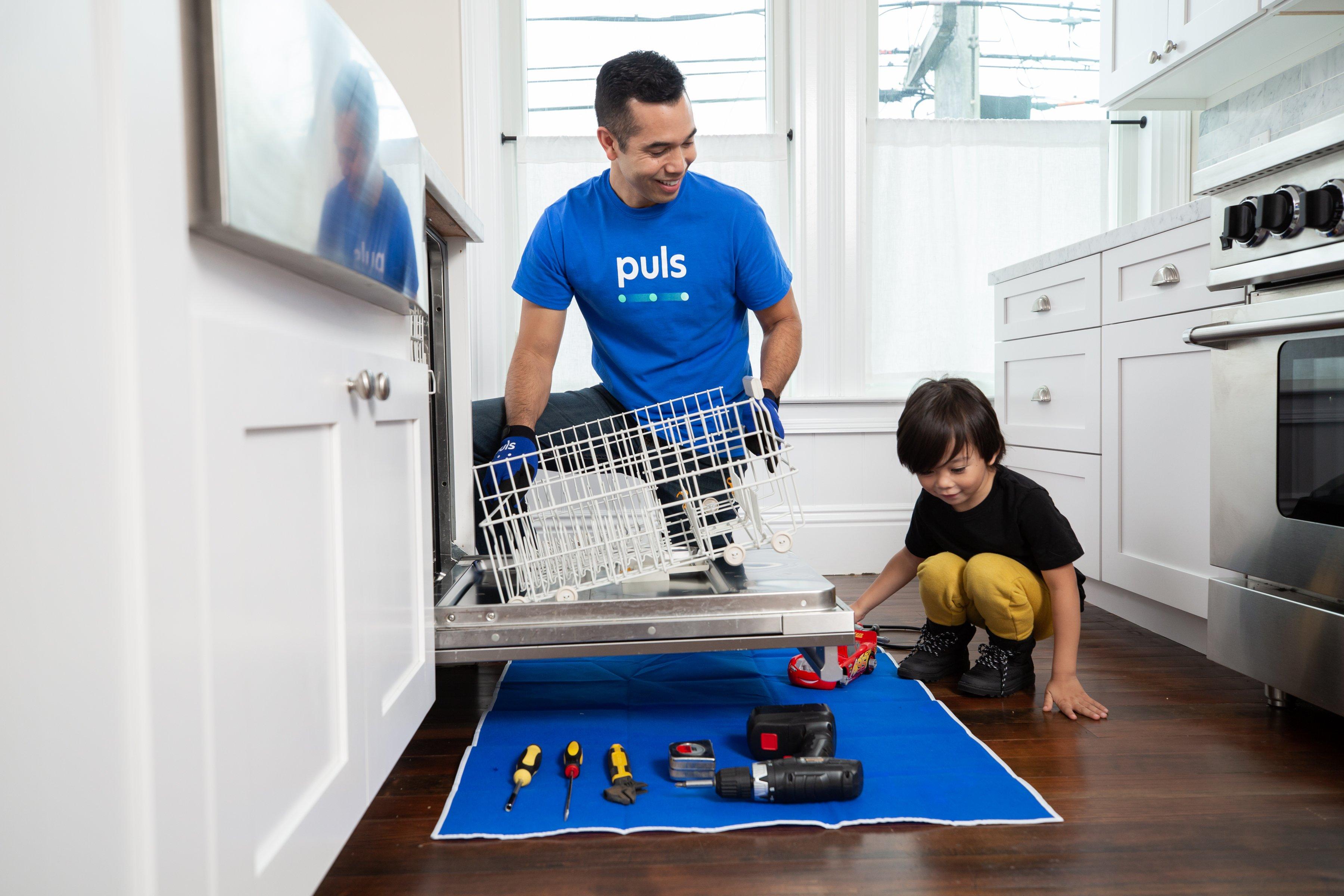 Puls dishwasher repair technician