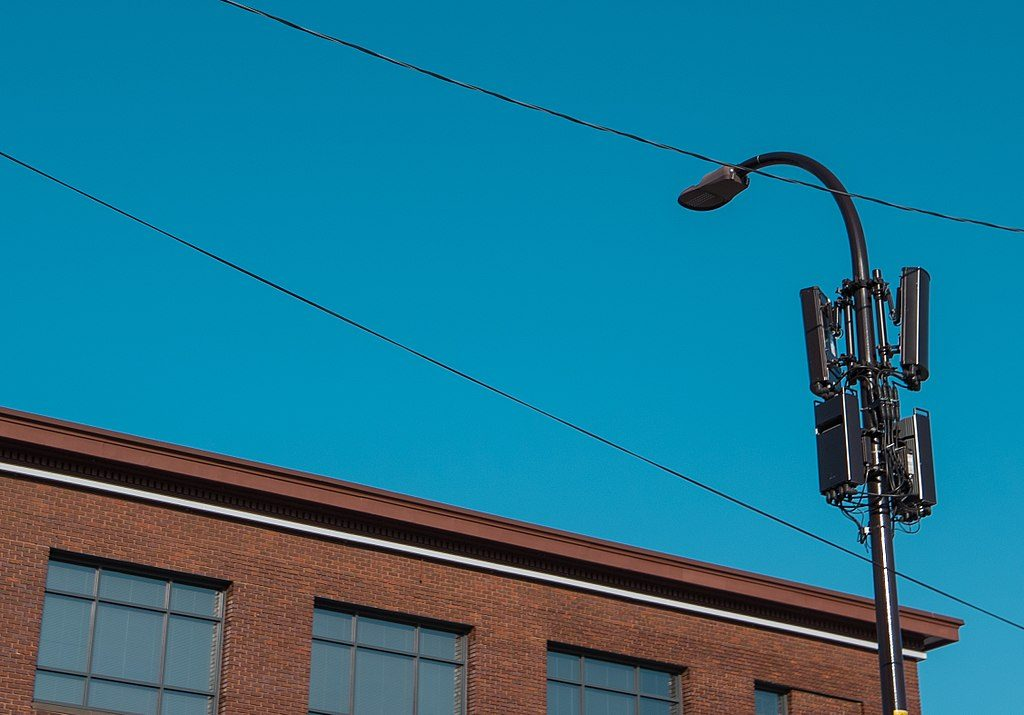 Small cell antennas on a lamp post.