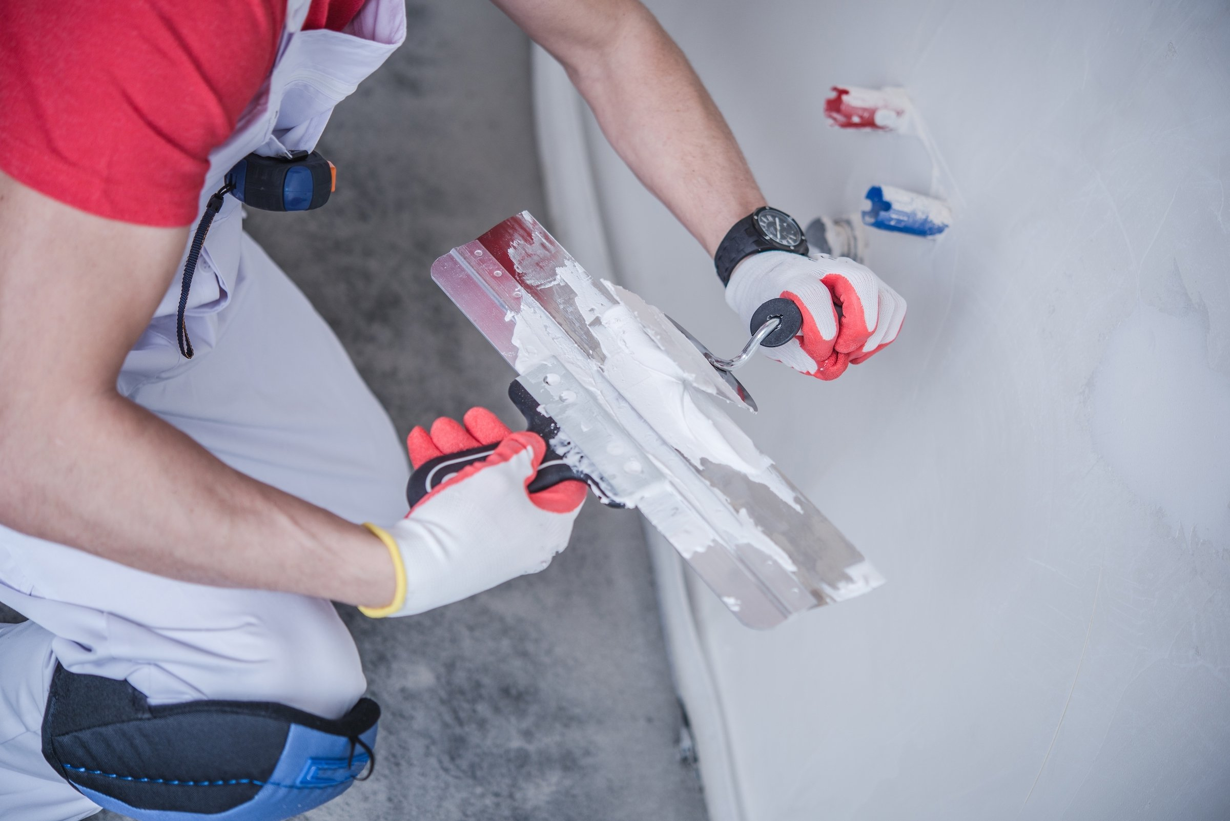 Drywall repair costs of bringing in the professionals
