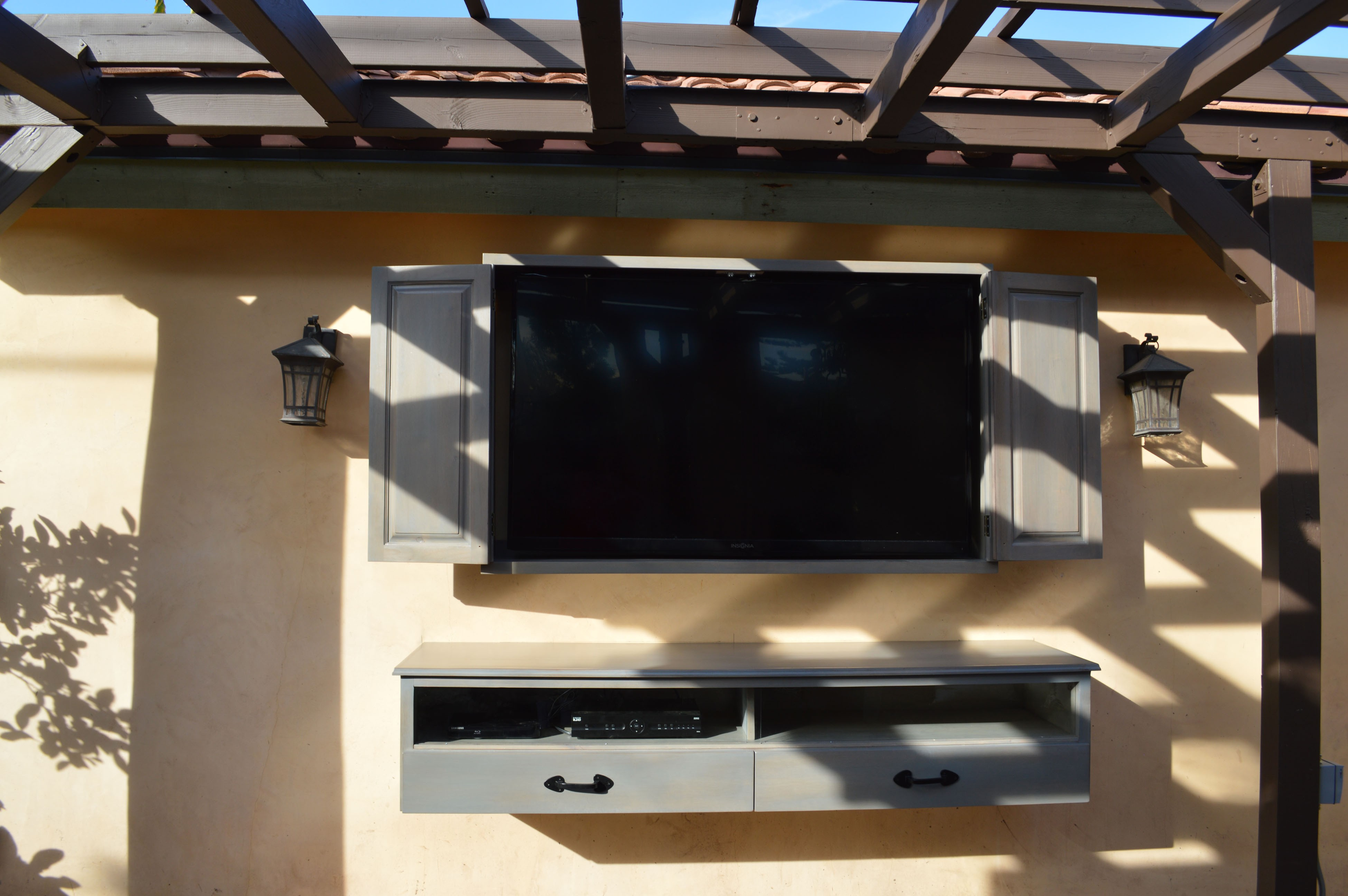 TV mounting outdoors in shade
