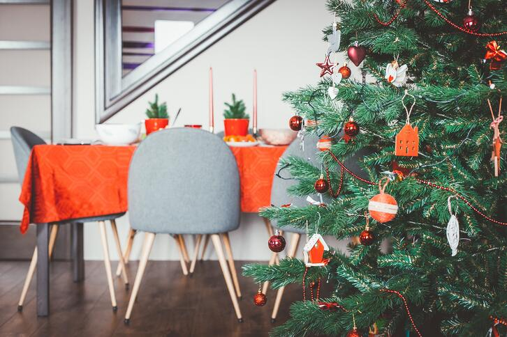 holiday decor-unsplash-1