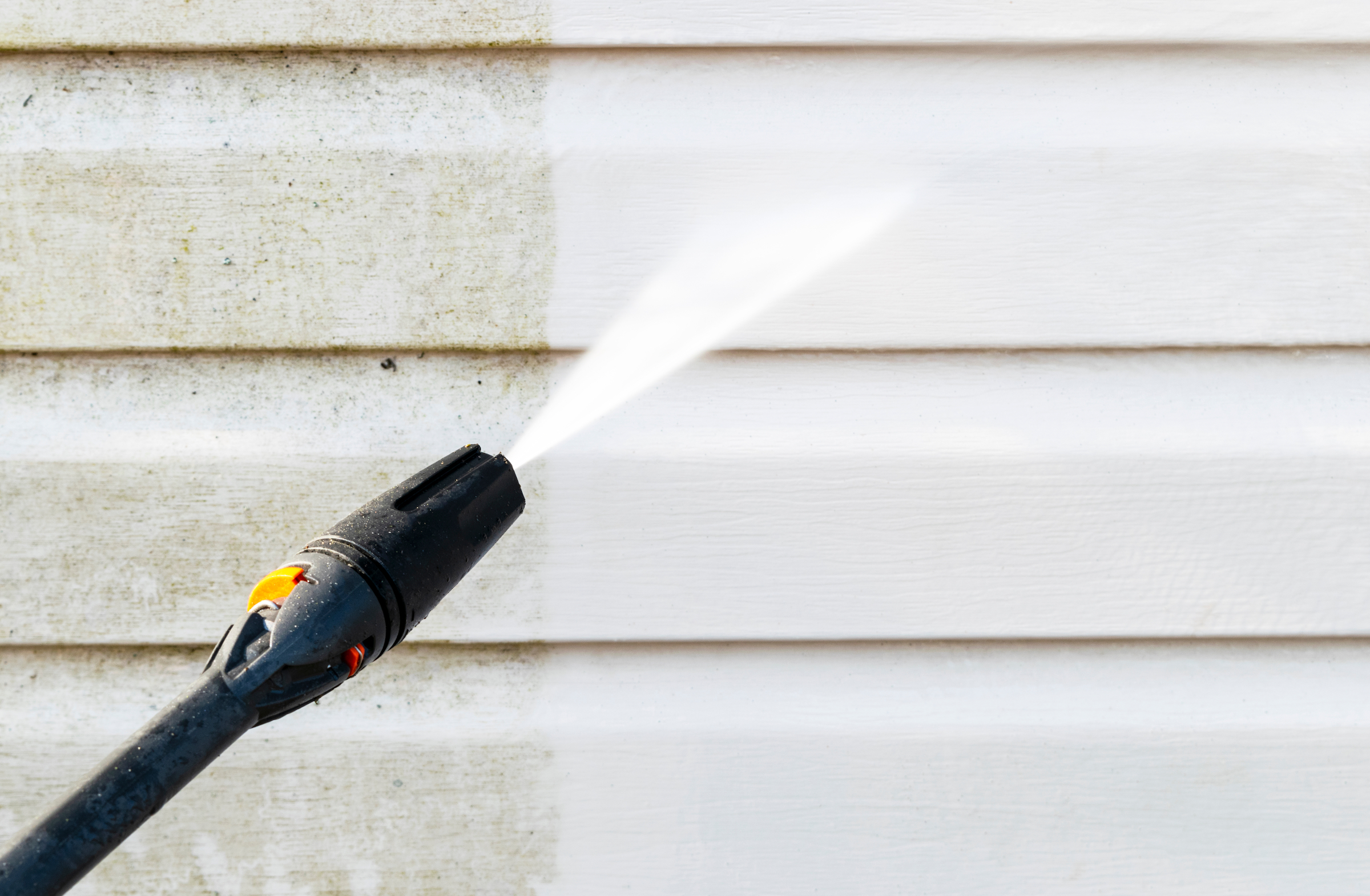How to pressure wash a house: a guide to pressure washing nozzles.