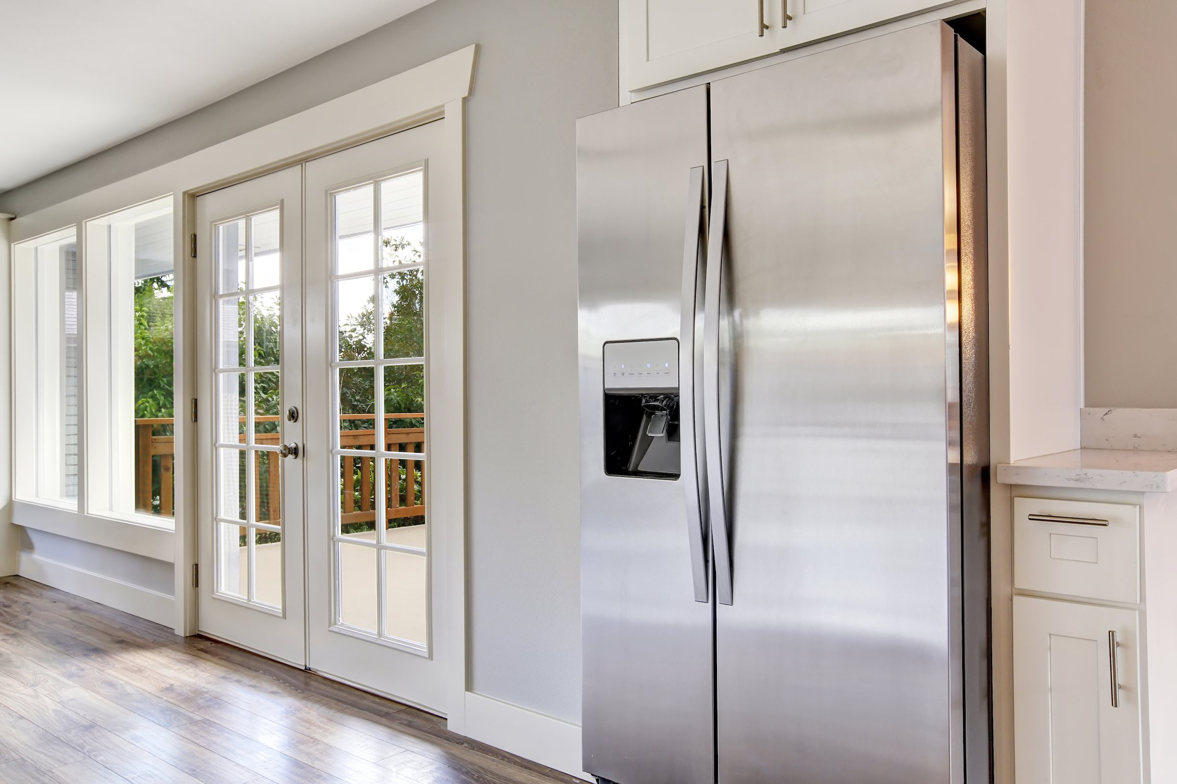 Tips for moving a fridge properly.