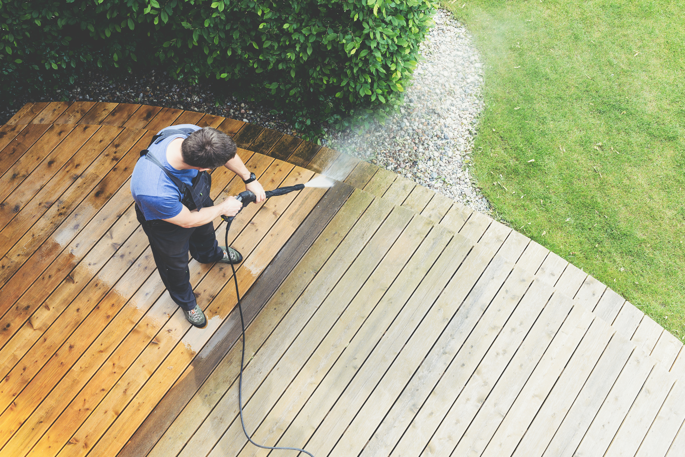Pressure washing services prices for decks and driveways
