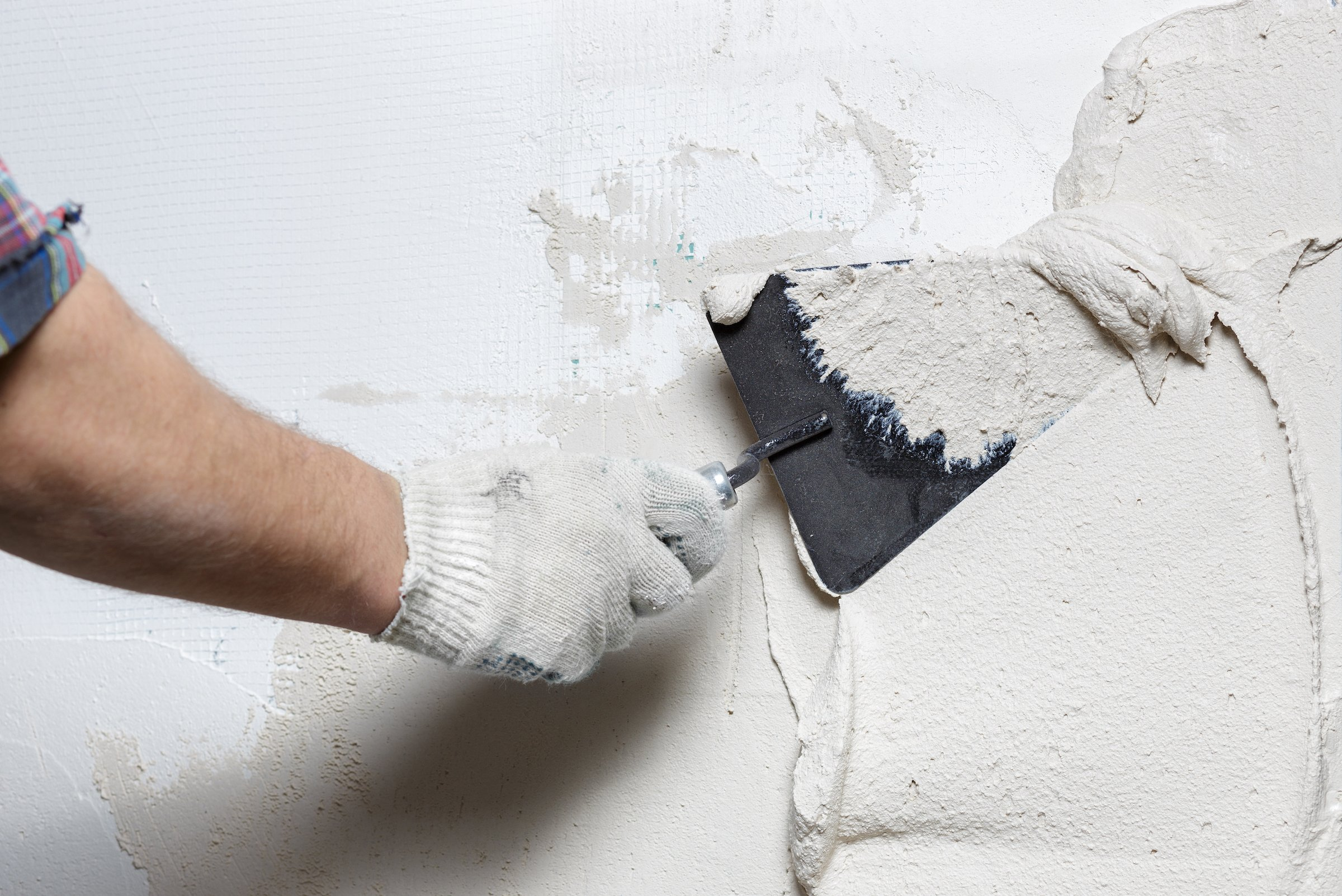 How to hang heavy objects on plaster walls