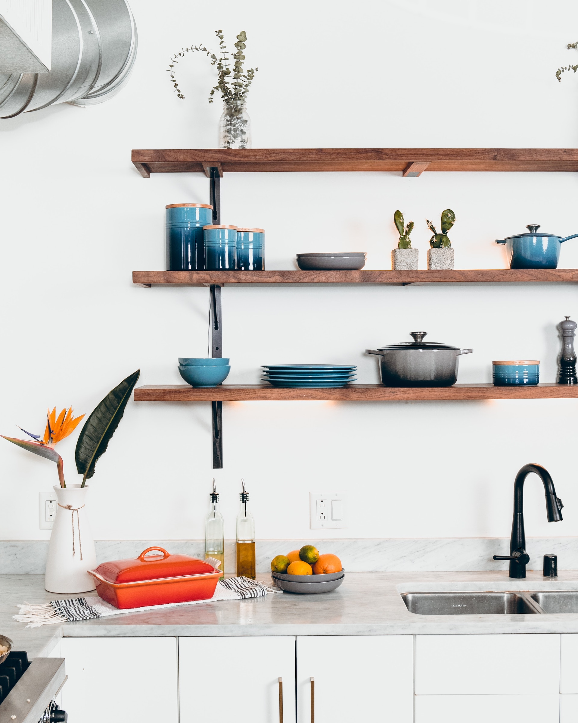 We're loving open shelves that allow you to show off your favorite dishes, vases, and plants