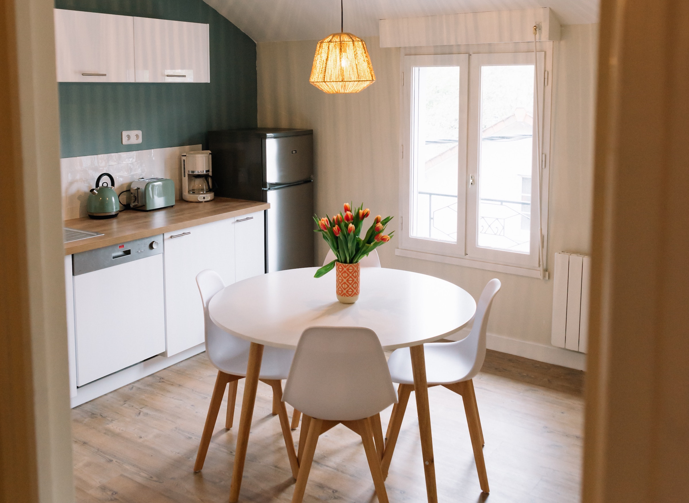 Everything You Need to Know to Pick the Perfect Kitchen Table