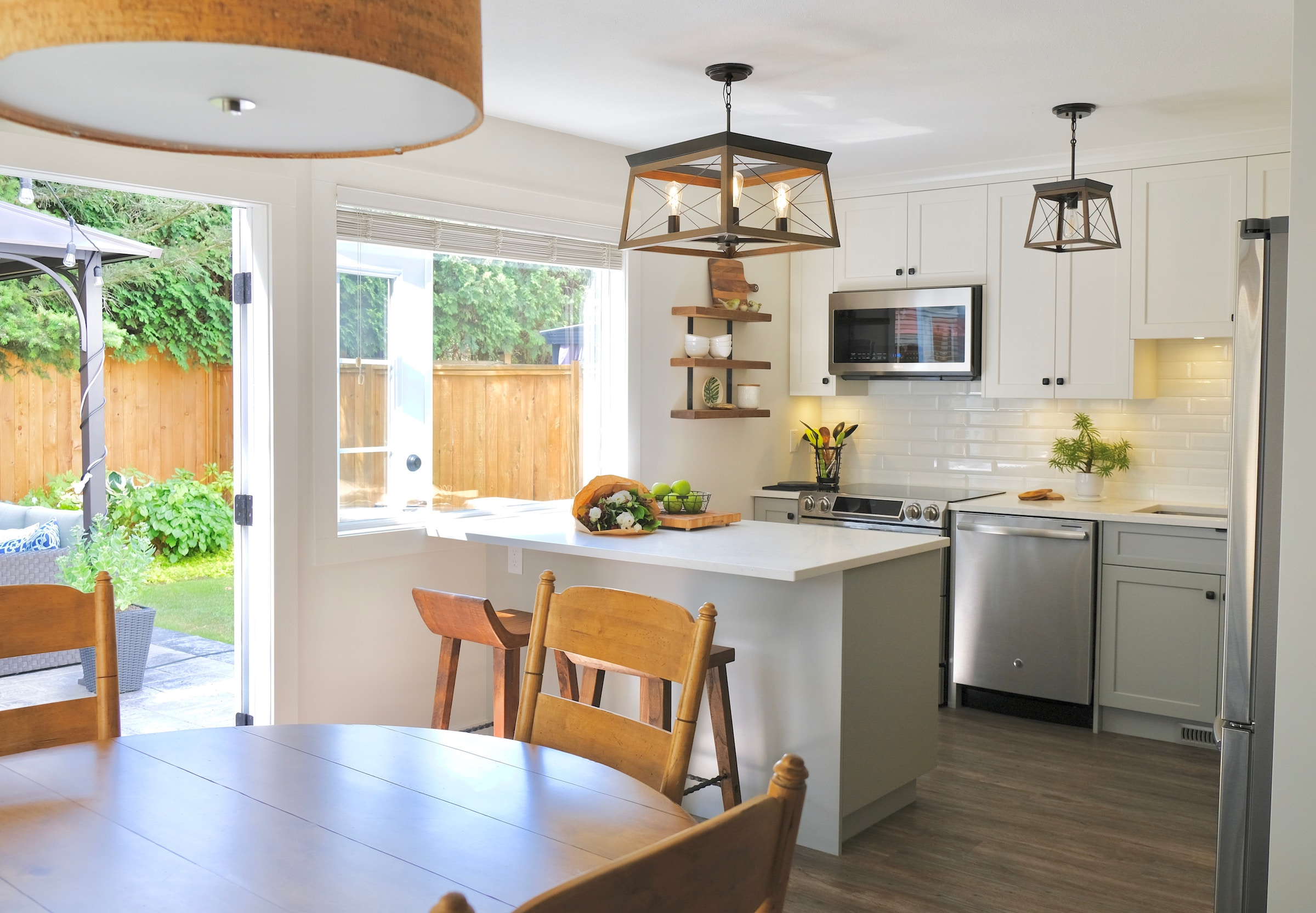How to choose the right size table for a kitchen
