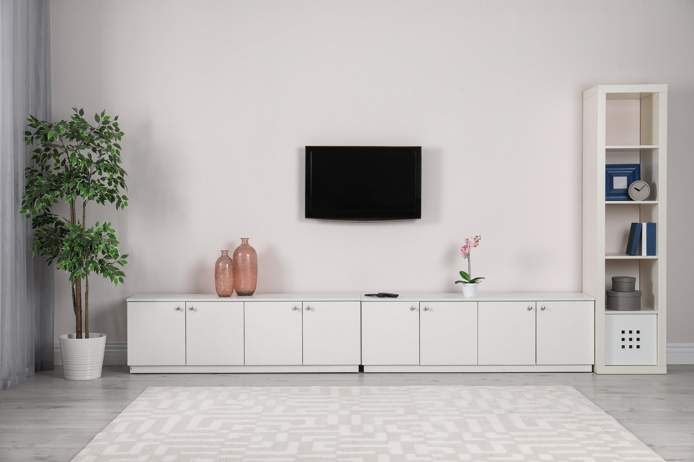 Same day TV mounting options: get it installed by a major retailer.