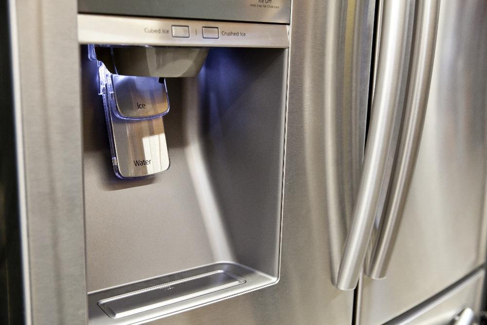 water filter on refrigerator