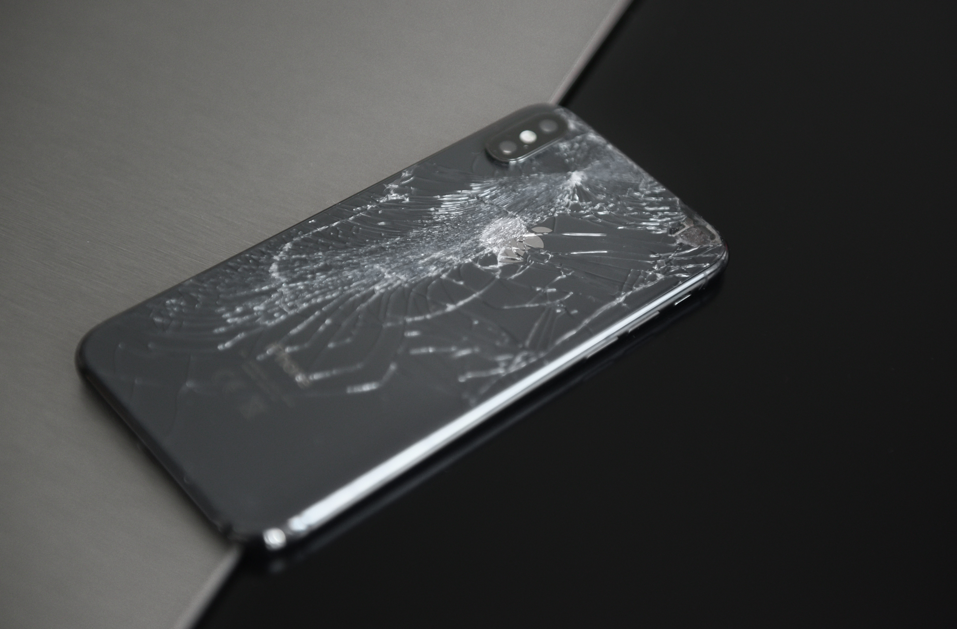 new product 4fd1f ba718 iPhone X Shattered Screen & Other Common Arising Issues